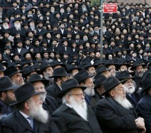 rabbis-from-the-chabad-lubavitch-movement-of-judaism-pose-for-a-group-photograph-in-brooklyn-new-york-in-2007