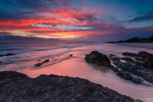 0206.-Red-Dawn-Currumbin-Beach-QLD-20th-December-2012-web